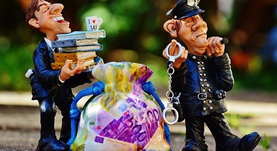 Image for the blog post How to avoid being collared for tax evasion
